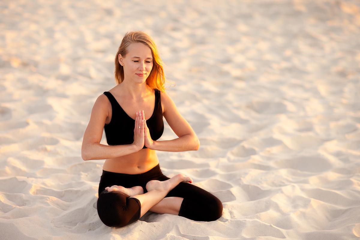zdjecia jogi fotograf reklamowy bielsko 1 Joga nad morzem   zdjęcia reklamowe Śląsk
