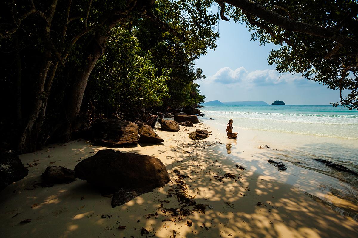 zdjecia jogi na plazy fotografia slask 02 Egzotyczna sesja jogi   fotografia reklamowa