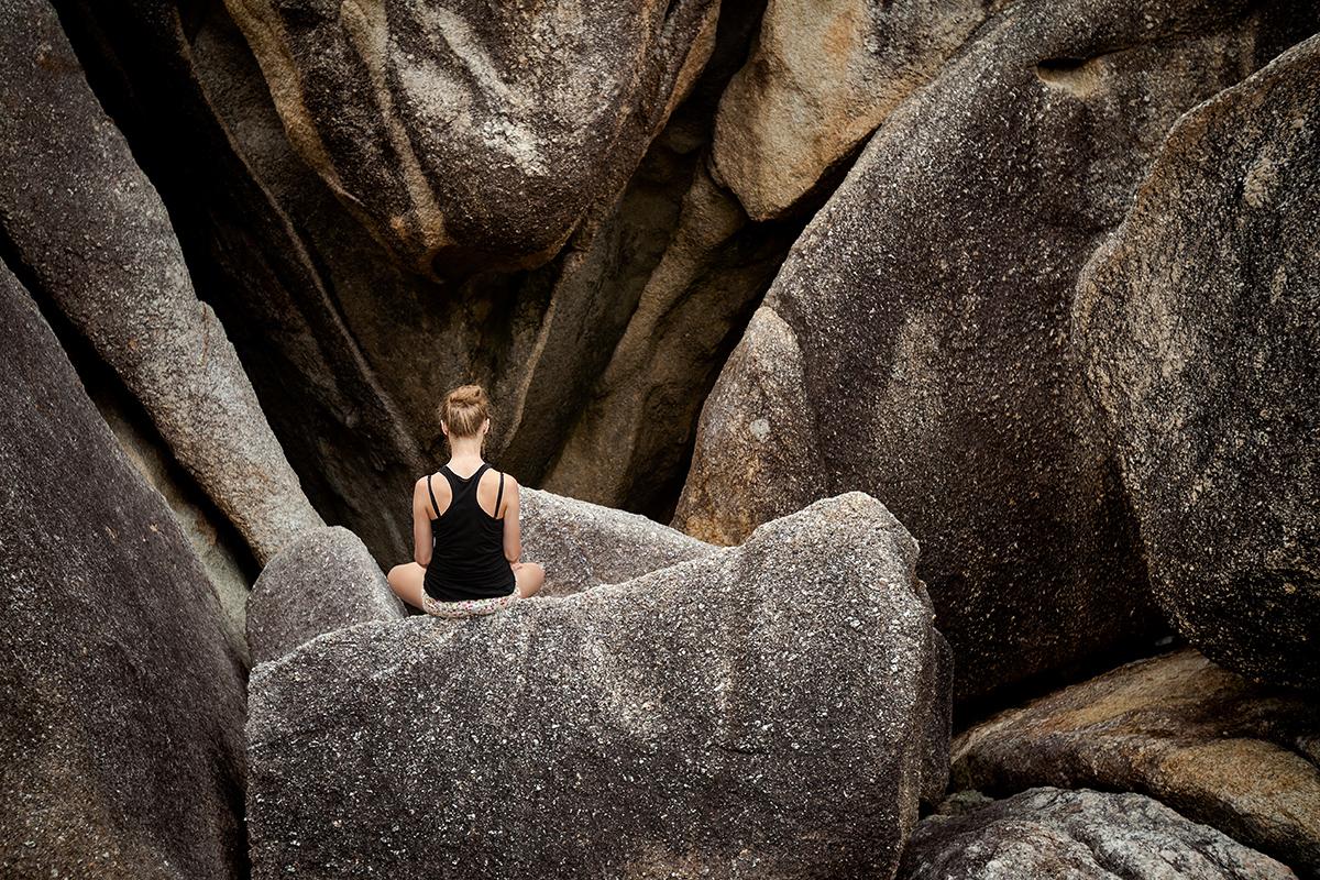 zdjecia jogi na plazy fotografia slask 07 Egzotyczna sesja jogi   fotografia reklamowa