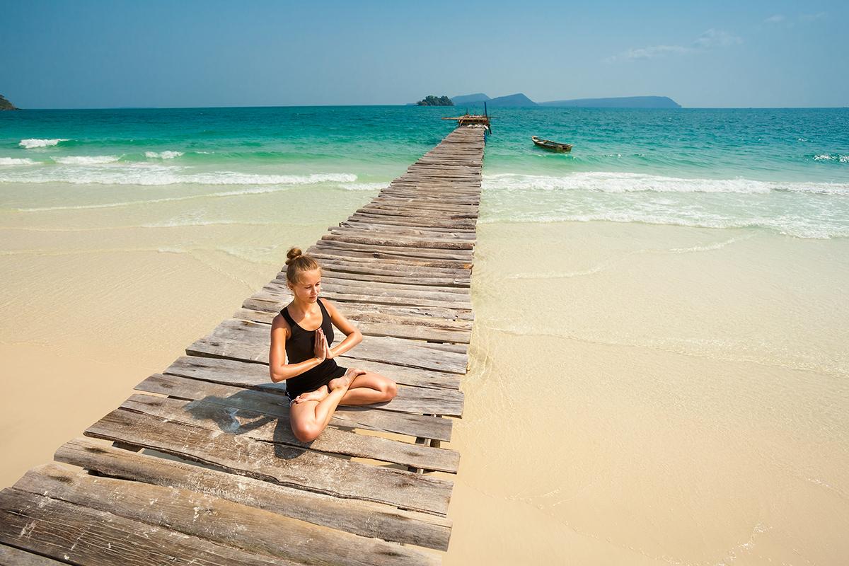 zdjecia jogi na plazy fotografia slask 08 Egzotyczna sesja jogi   fotografia reklamowa