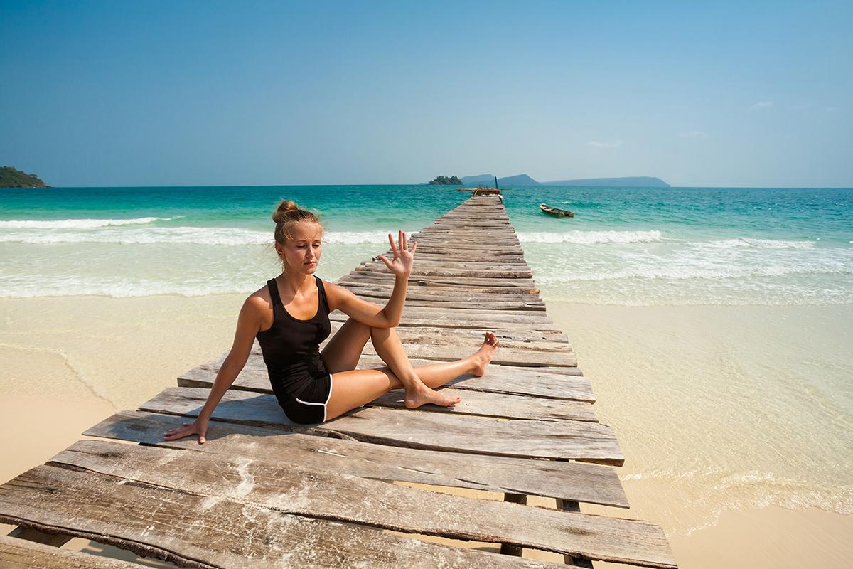 zdjecia jogi na plazy fotografia slask 12 Egzotyczna sesja jogi   fotografia reklamowa
