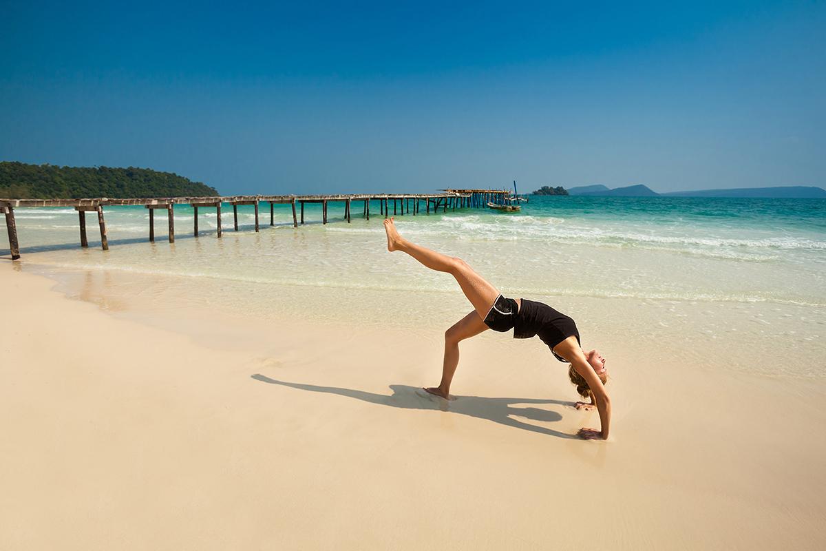 zdjecia jogi na plazy fotografia slask 14 Egzotyczna sesja jogi   fotografia reklamowa