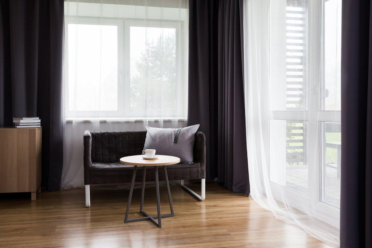 fotografia reklamowa bielsko 01 Fotografia reklamowa   drewniane ozdoby i stoliki